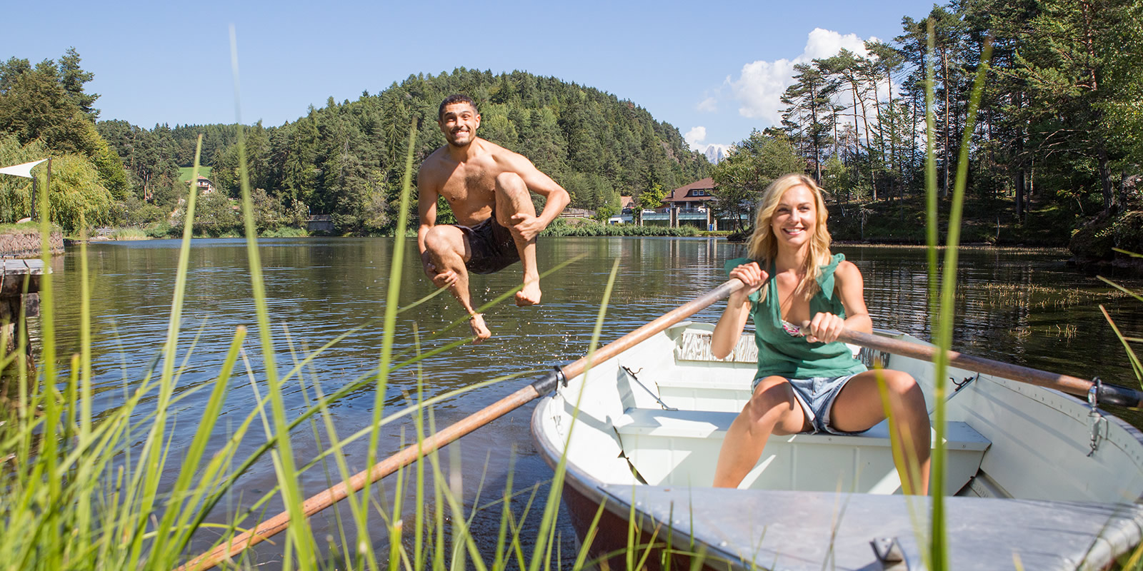 Boot Fahren und Badespass