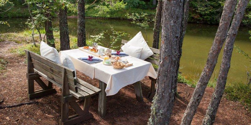 Frühstück für 2 auf Insel im See