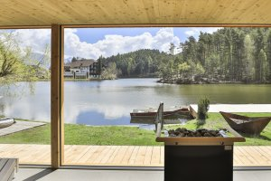 Sauna-with-lake-view